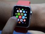 В Великобритании предложили наказывать водителей за часы Apple Watch