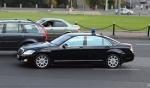 Штрафы водителям, не пропускающим авто чиновников с «мигалками», остаются в силе