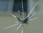 Как остановить расползающуюся трещину на лобовом стекле?